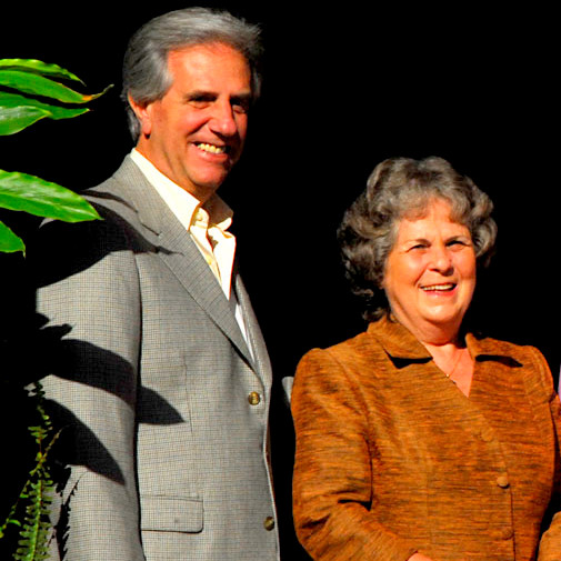 Tabaré Vázquez, junto a su esposa.