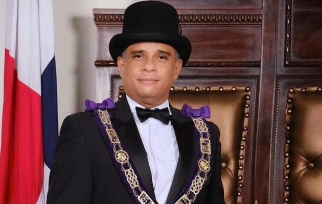 El Gran Maestro de la Gran Logia de Panamá.